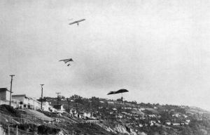 Hang gliders soaring Torrance beach in the early 1970s