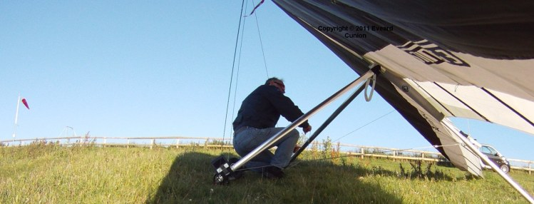 Hang glider post-rigging checks