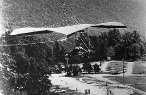 Photo by Dan Johnson of the Crystal Air Sports simulator hang gliding training aid at Chattanooga, Tennessee, in 1984