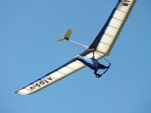 Richard Mosley in an AIR ATOS rigid hang glider