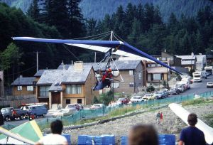 Ultralight Products Comet hang glider on final approach