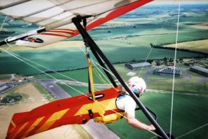 Edge 2 hang glider harness at RAF Wroughton in June 1998
