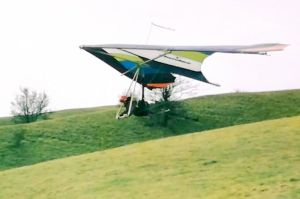 David Parsons launching in a Birdman Cherokee hang glider