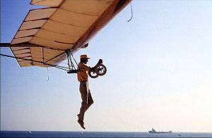 Volmer Jensen flying the VJ-23 at Dockweiler Beach (Playa del Rey). Photo by Doug Morgan.