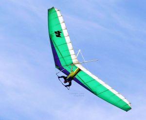 Steve Siuda flying an Airwave K4 in July 2005. Photo by Craig Byrne.