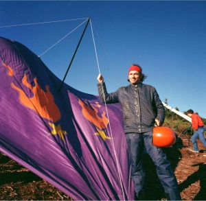 Dave Meuhl and glider by Hugh Morton