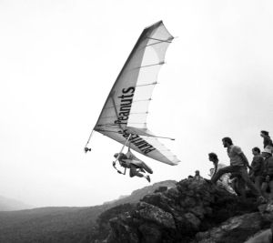 British champion John Pendry with Hugh Morton's camera attached to his hang glider at the Masters of Hang Gliding 1985 competition