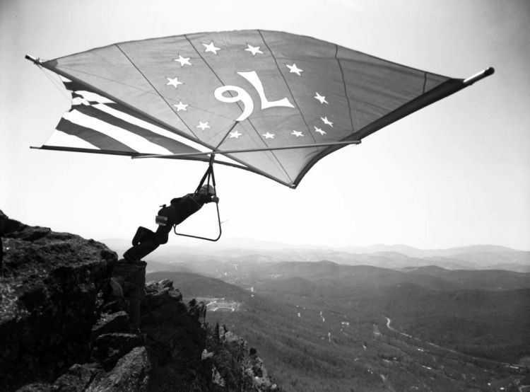John Sears launches at Grandfather Mountain in his Seagull III in April 1976