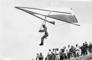 Everard Cunion flying a Skyhook IIIA hang glider at the British championships in August 1975