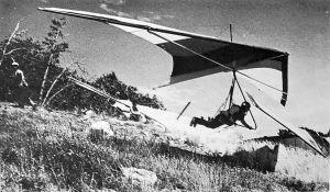Trip Mellinger launches in a Sunbird Nova 230 at Crestline