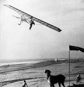 Volmer Jensen flies at Dockweiler Beach